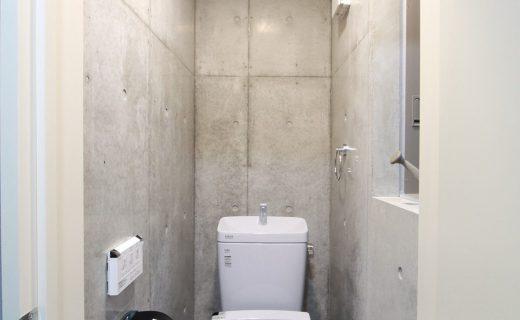 1階玄関ホール横に設置したトイレ