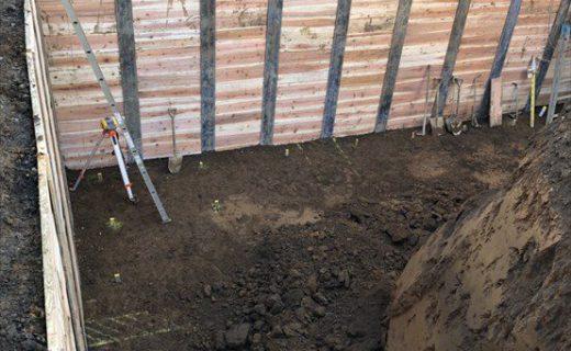地下室根伐+設備先行配管・掘削2日目