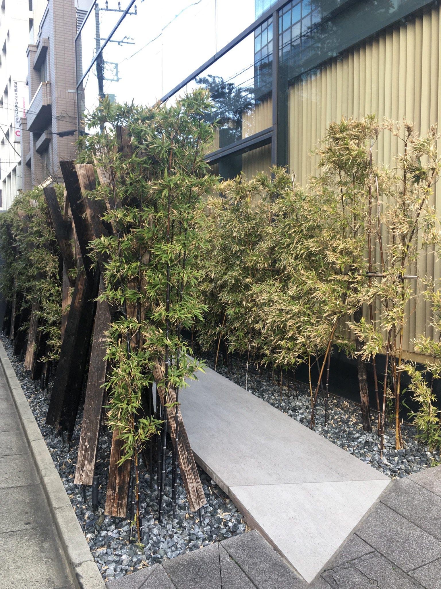 南青山の日本料理店のアプローチ
