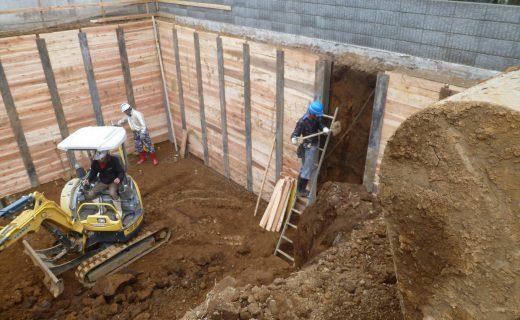 地下室根伐+設備先行配管・掘削4日目